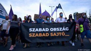 Tausende Ungarn protestieren für Pressefreiheit