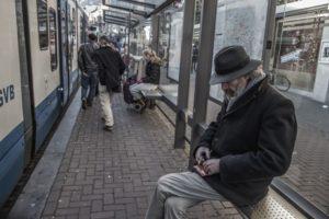 """""""Zu Hause bleiben"""", wenn es keines gibt: obdach- oder wohnungslos in der Krise"""