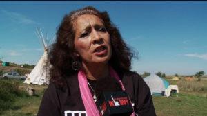 """""""Un sogno che si avvera"""": LaDonna Brave Bull Allard, anziana di Standing Rock, applaude l'ordine di chiudere l'oleodotto Dakota Access dopo anni di proteste"""