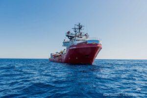 Stato di emergenza dichiarato sulla Ocean Viking. Richiesto lo sbarco immediato