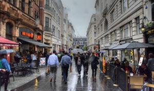 Covid-19: Inglaterra suspende quarentena a viajantes de 59 países; Brasil fica fora