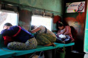 Proyecto de ley en Myanmar contra violencia hacia las mujeres no las protege
