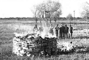 Centenario de quema de libros en Santiago, Chile