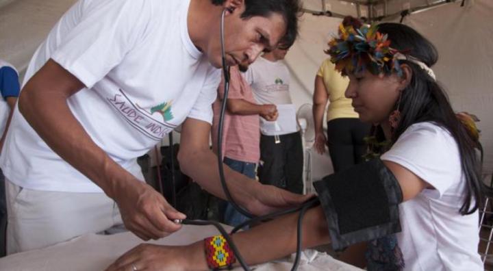Bolsonaro attacca lo status dei popoli indigeni, una premessa al genocidio