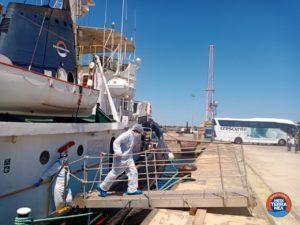 Equipaggio Mare Jonio in quarantena nel porto di Augusta. Protocolli anti COVID rispettati scrupolosamente