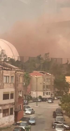 Perché ieri la grande nuvola rossa proveniente dall'ILVA? PeaceLink scrive al Ministro dell'Ambiente
