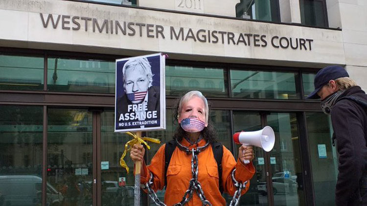 Weitere Anhörung von Julian Assange vor Prozessweiterführung