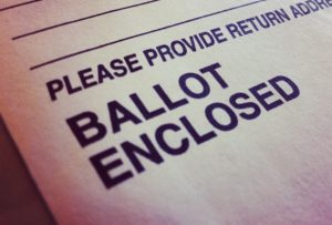 Hawkins / Walker denuncian las restricciones al voto y el posible robo de las elecciones norteamericanas