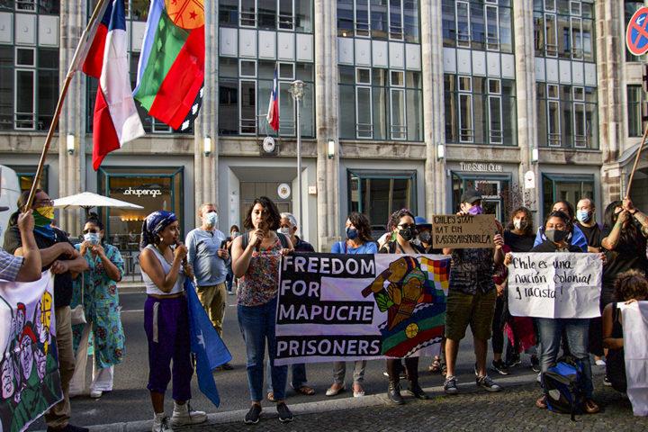 Berlin, Appell zur Unterstützung für das Volk der Mapuche vor dem chilenischen Konsulat