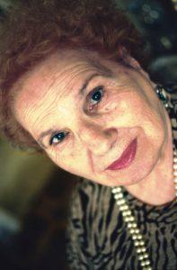 """Lucia Mezzasalma, """"La Terra In Festa"""". Un abbraccio alla poetessa dei braccianti"""