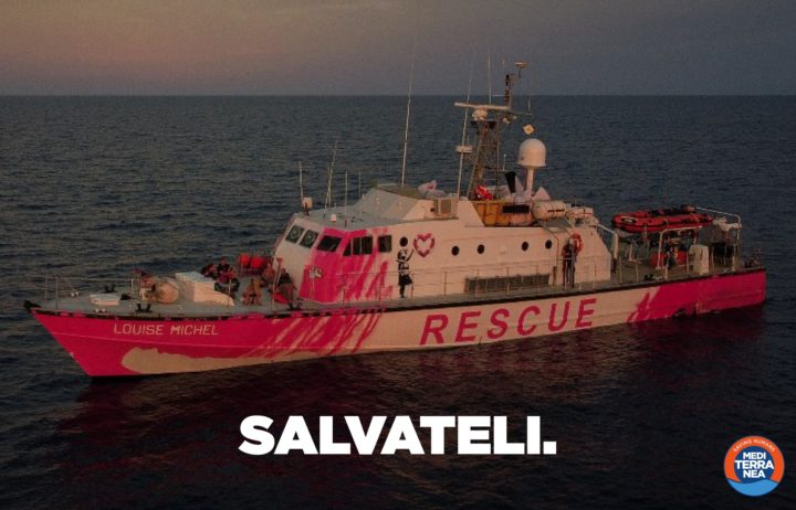 La Mare Jonio sta salpando dal porto di Augusta per prestare aiuto alla Louise Michel