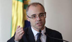A inquisição tupiniquim: bolsonarismo se apossa dos instrumentos de Estado para ameaçar adversários políticos