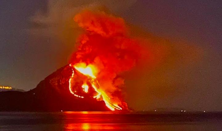 In fiamme la riserva di Monte Cofano nel trapanese