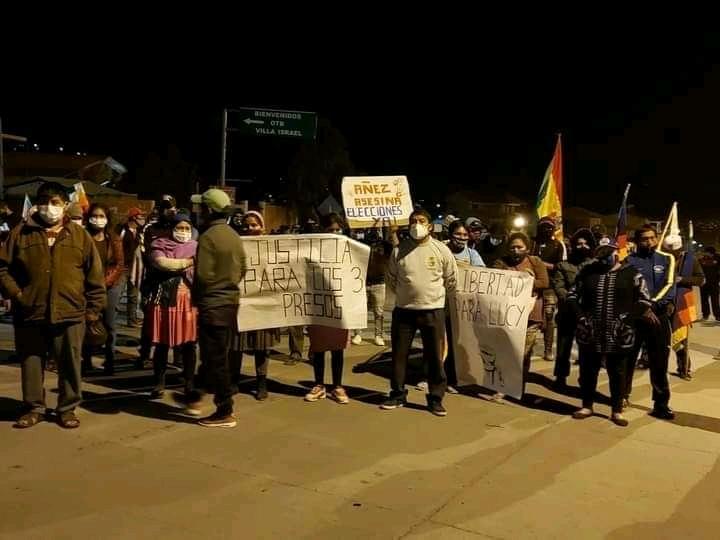 Bolivia. Strade bloccate e sciopero a oltranza in difesa della democrazia.