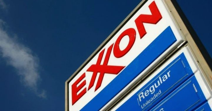 Proving 'A Different World Is Possible,' Exxon Dropped From Dow Jones After 92-Year Run