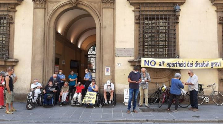 Firenze: un presidio d'agosto per la Vita Indipendente