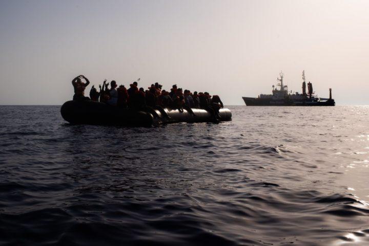 Διάταξη του Προέδρου της Περιφέρειας της Σικελίας Musumeci για εκκένωση των κέντρων υποδοχής. 104 μετανάστες διασώθηκαν από το Sea-Watch4