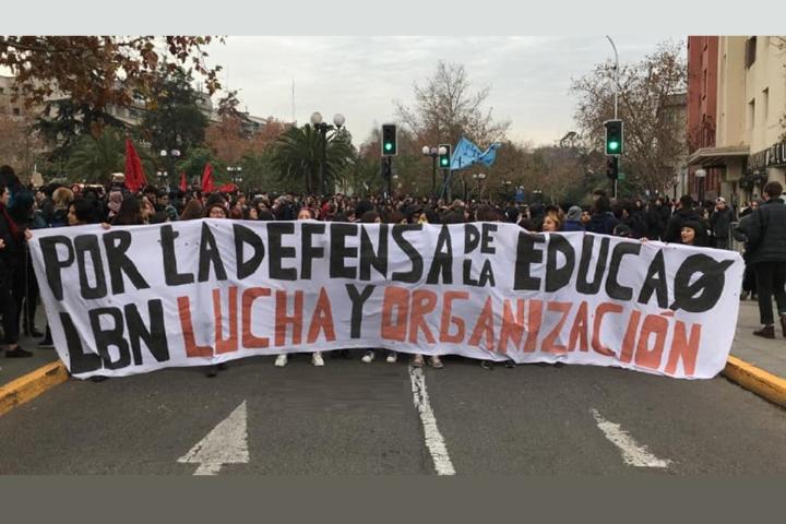 """Informe: """"La crisis estructural del sistema educativo en Chile está lejos de garantizar el derecho a la educación"""""""