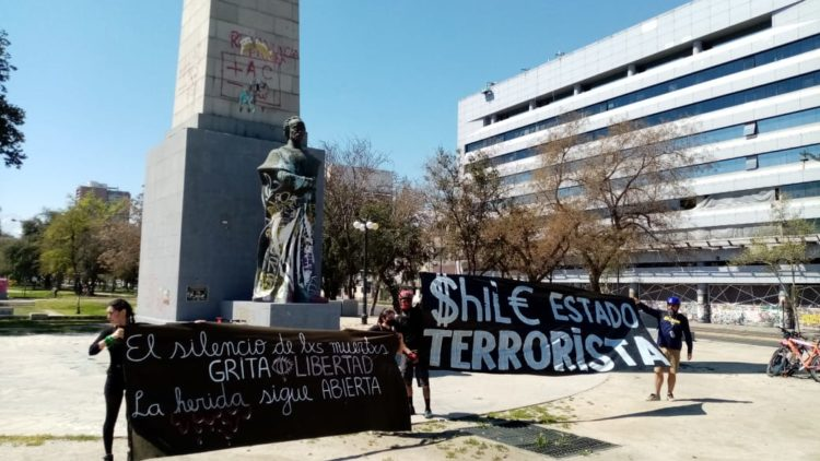 Jóvenes contra el militarismo chileno