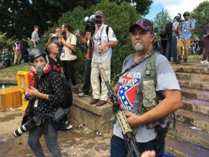 Denunciante del Departamento de Seguridad Nacional de EE.UU. afirma que se le ordenó minimizar el riesgo de los supremacistas blancos