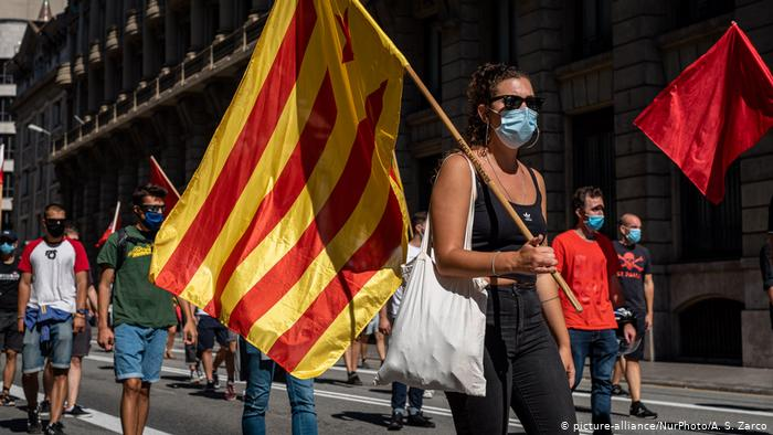 Pro-independence Catalans rally on annual holiday, despite pandemic