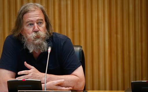 Daniel Raventós: «Es perfectamente posible financiar una renta básica universal e incondicional»