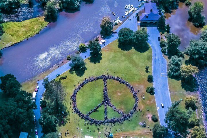 Agire, per la pace