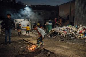 L'incendio nel campo di Moria è il risultato dell'accordo firmato con la Turchia