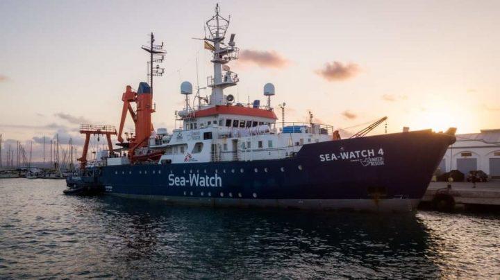 Accanto a chi salva vite in mare