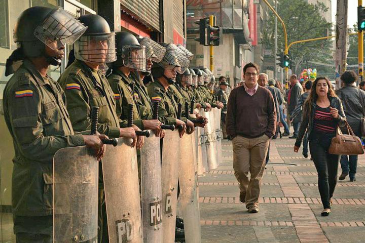 S.O.S. por Iván Cepeda y la democracia