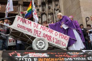 Brasile: Giù le mani da Padre Júlio!
