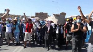 Refugiados en Grecia protestan por las pésimas condiciones en que viven