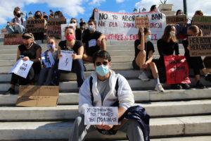 Plantón en la Plaza Syntagma en Atenas en apoyo a las mujeres polacas