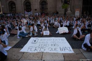 El mur de silenci no mata la Covid, però si pot matar la democràcia