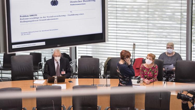 Anhörung zur Forderung nach einem bedingungslosen Grundeinkommen im Bundestag