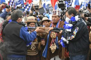 """""""Nuestro voto se respeta"""": Histórico cierre de campaña del MAS en Bolivia"""