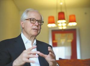 """""""El Gobierno no es serio con la implementación del Acuerdo de Paz"""": Bernard Aronson"""