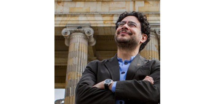 Il senatore Iván Cepeda presenterà ricorso contro la decisione di rilascio di Álvaro Uribe