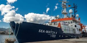 Sea-Watch defends itself against unlawful blockade