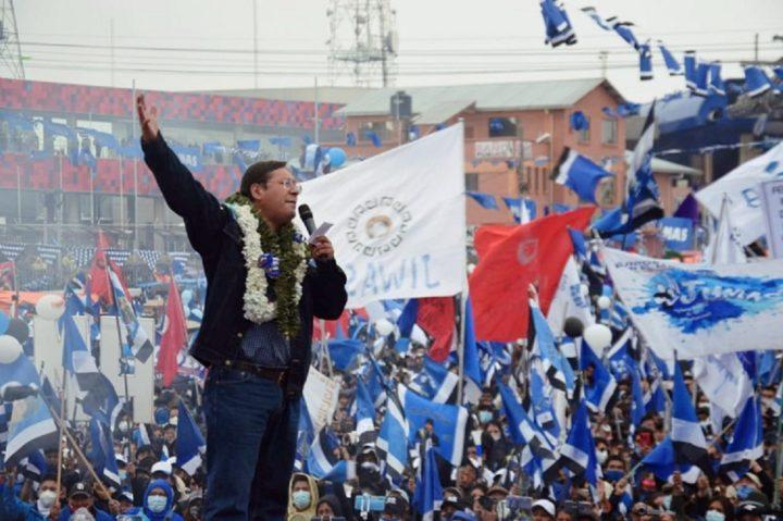 Λαϊκή νίκη στη Βολιβία: μάθημα θάρρους και αξιοπρέπειας