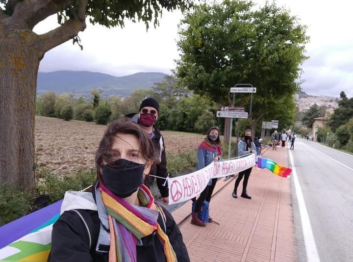 "Rifondazione Comunista oggi partecipa alla catena umana Perugia-Assisi ""Time to Peace – Time to Care"""