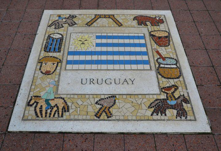 Uruguay hoy: Cómo sortear la encerrona