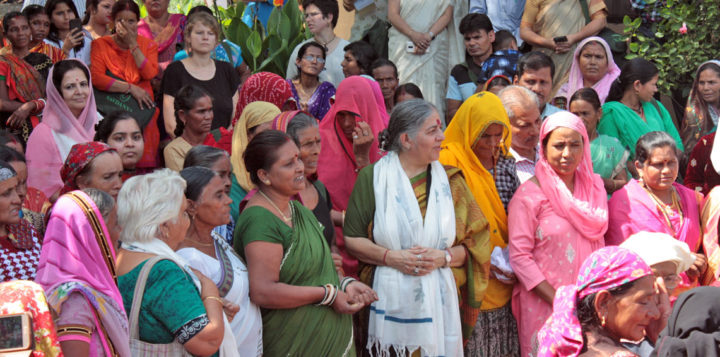 Navdanya International: L'impero del filantro-capitalista Bill Gates mette a rischio il futuro del nostro pianeta