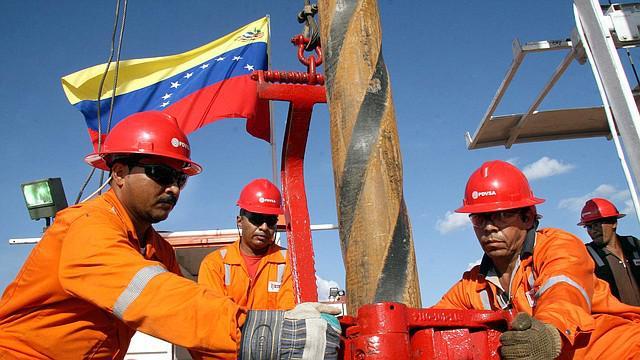Venezuela, la legge contro il bloqueo divide i chavisti del Grande Polo Patriottico