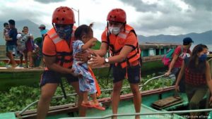 Super Typhoon Goni batters Philippines