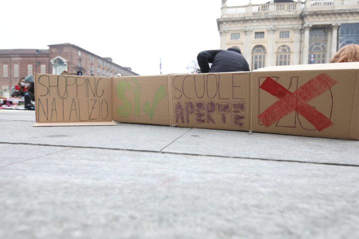 Protesta studenti contro Cirio 30-11-2020 8
