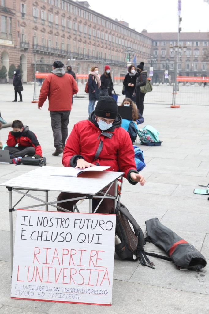 Protesta studenti contro Cirio 30-11-2020 10