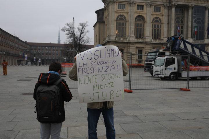 Protesta studenti contro Cirio 30-11-2020 11