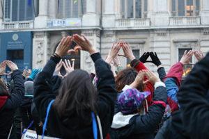 Non Una di Meno in piazza a Torino: rabbia per la violenza contro le donne