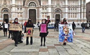 Donne polacche in Piazza a Bologna per chiedere l'aborto legale